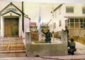 """""""Icé la bandera argentina en las Islas Malvinas"""""""